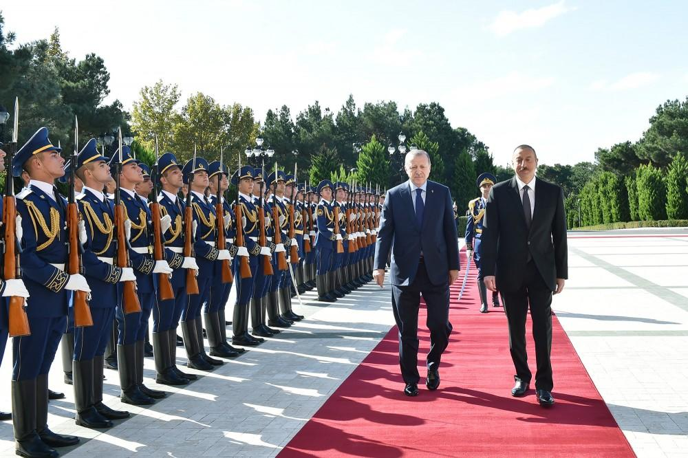 Состоялась церемония официальной встречи Реджепа Тайипа Эрдогана