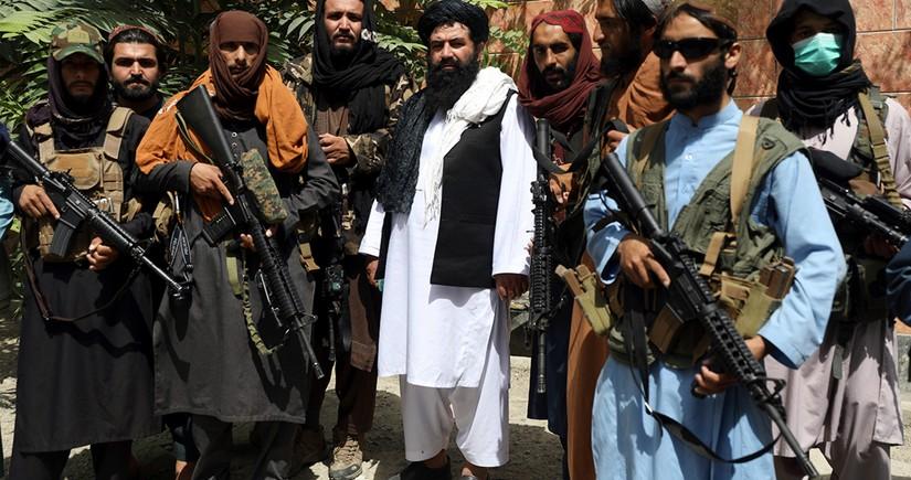 """Əfqanıstanda """"Taliban"""" silahlıları ilə yaraqlılar arasında toqquşmalarda 17 nəfər ölüb"""