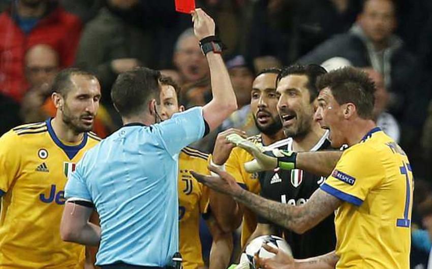 UEFA Canluici Buffonu 3 oyunluq diskvalifikasiya edib