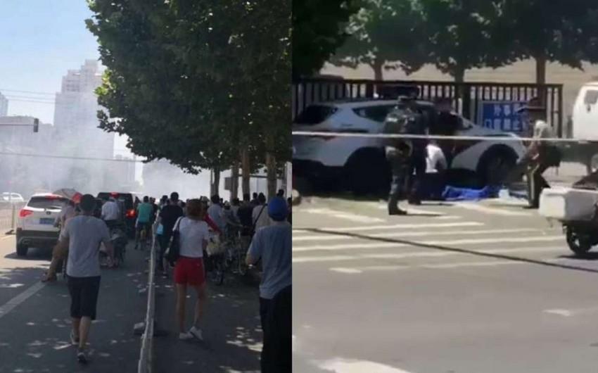 ABŞ-ın Çindəki səfirliyinin binası qarşısında partlayış olub - VİDEO - YENİLƏNİB