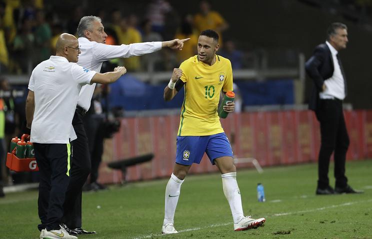 Неймар забил 50-й мяч за сборную Бразилии и повторил достижение Пеле и Роналдо