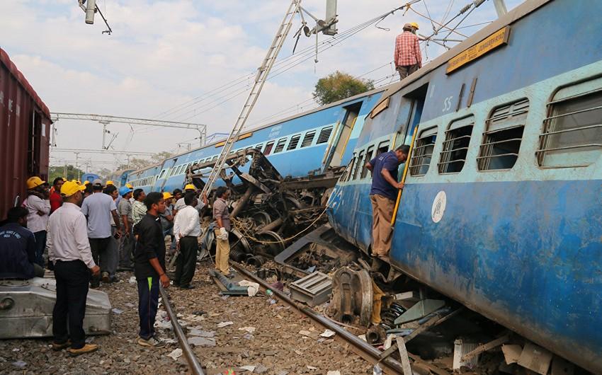 Hindistanda sərnişin qatarı relsdən çıxıb, 10 nəfər yaralanıb