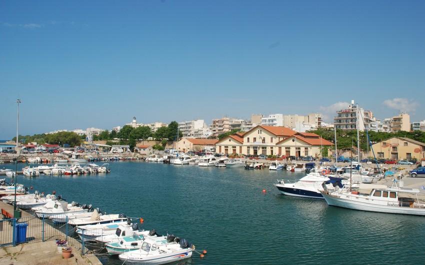 Yunanıstan limanını satışa çıxardı
