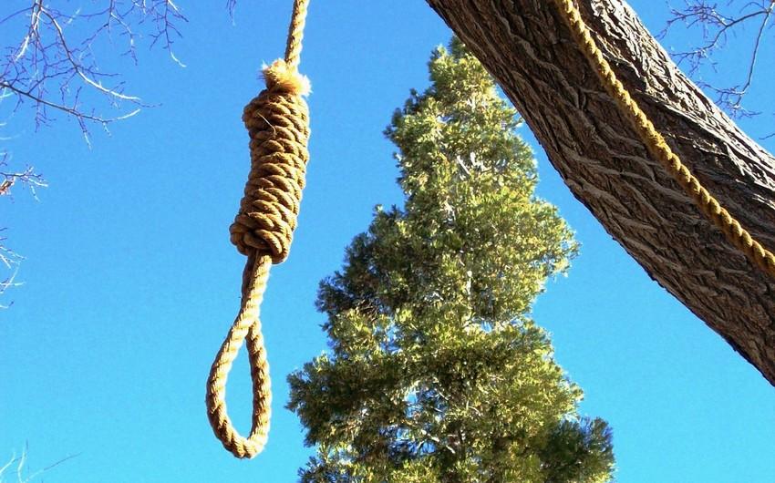 Bakıda 44 yaşlı kişi özünü tut ağacından asıb