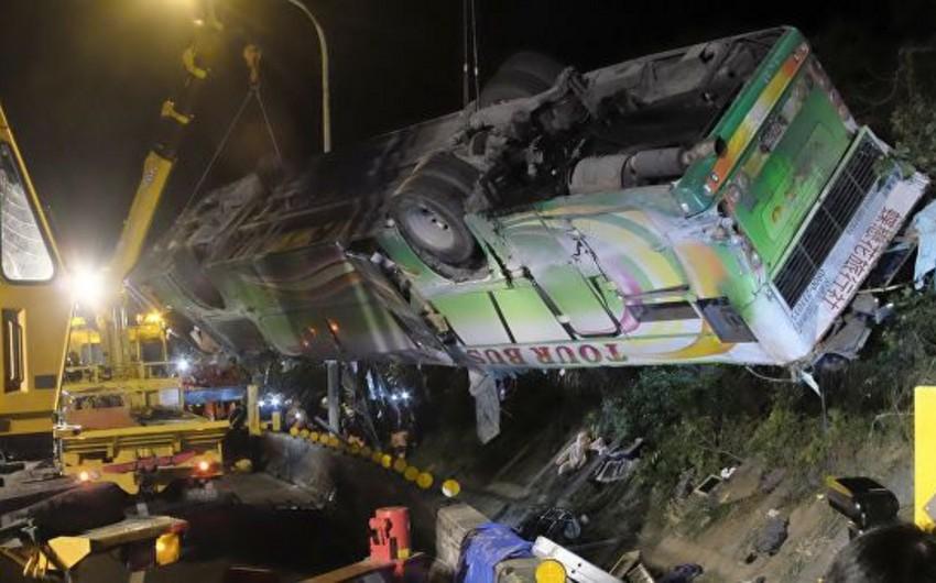 В Гонконге почти 80 человек пострадали в ДТП с двумя автобусами