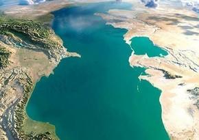 В Каспийском море обнаружили лед аномальной толщины