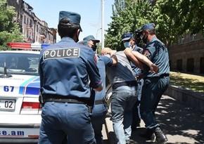 Ermənistanda polis şöbəsinin rəisi və əməkdaşları saxlanılıb