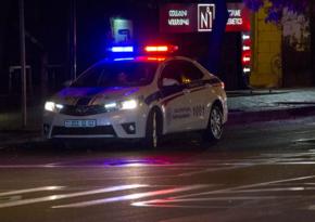 """İrəvanda """"Kalaşnikov"""" avtomatı, narkotik aşkarlanıb, 150-dən çox insan saxlanılıb"""