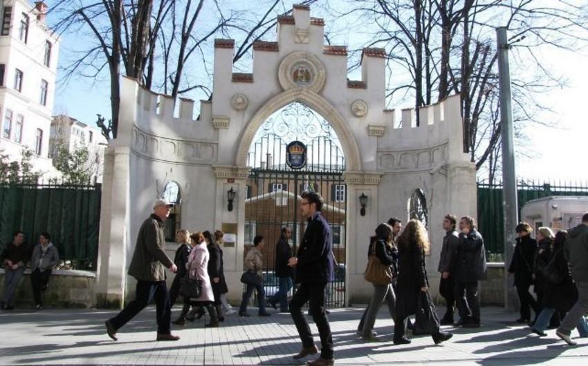 Suriyanın İstanbuldakı Baş Konsulluğunda müxalifət nümayəndəsinə hücum olub
