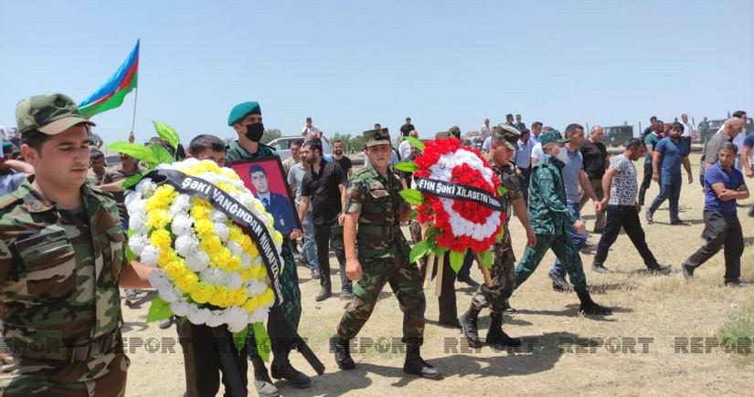 Шехида-военнослужащего ГПС похоронили в родном селе