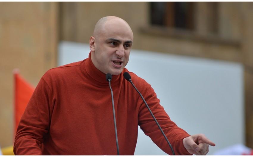 Gürcüstanın müxalifət partiyasının sədri azadlığa buraxıldı