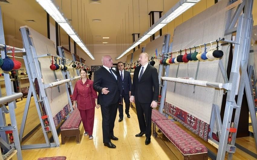"""Prezident """"Azərxalça""""nın Goranboy filialının fəaliyyəti ilə tanış olub"""