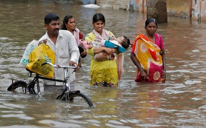 Hindistanda daşqınlar nəticəsində 127 nəfər ölüb