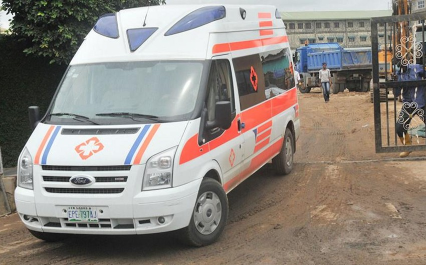 Nigeriyada polis maşın ilə insanları vurub, 8 ölü var