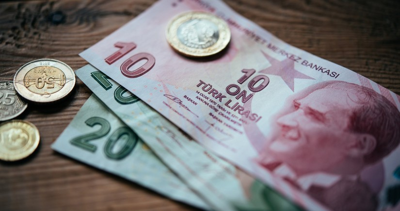 Central Bank assesses falling Turkish lira's impact on Azerbaijan