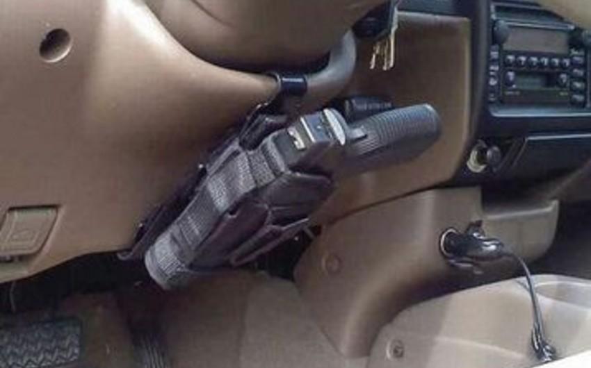 Bakı sakininin avtomobilindən silah aşkarlanıb
