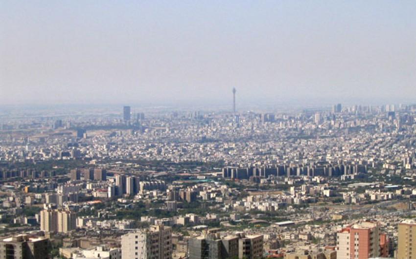 Fransanın İrandakı səfirliyi qarşısında etiraz aksiyası keçirilib