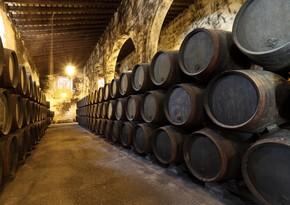 В Испании завод затопило вином