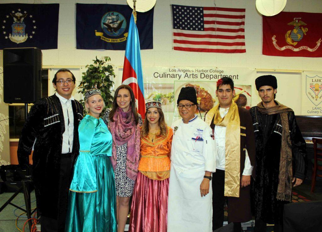 American students present samples of Azerbaijani cuisine in Los Angeles