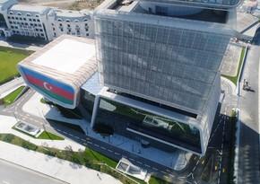İqtisadiyyat Nazirliyi yeni inzibati binasına köçməyə başlayıb