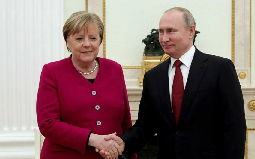 Putin-Merkel talks get underway in Moscow