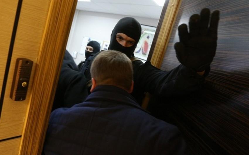 Kayseridə yüzdən artıq iş adamının ev və ofisində axtarış aparılıb
