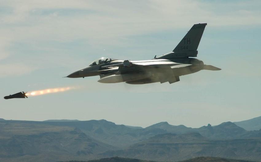 Arabian coalition air strikes kill 20 in Yemen