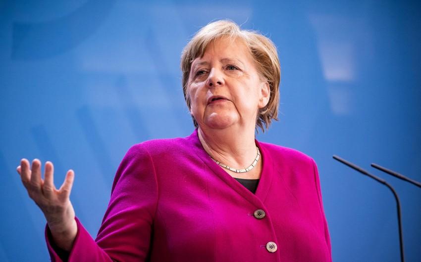 Merkellə əyalət baş nazirləri arasında gərginlik: Almaniya üçüncü qapanmaya gedir
