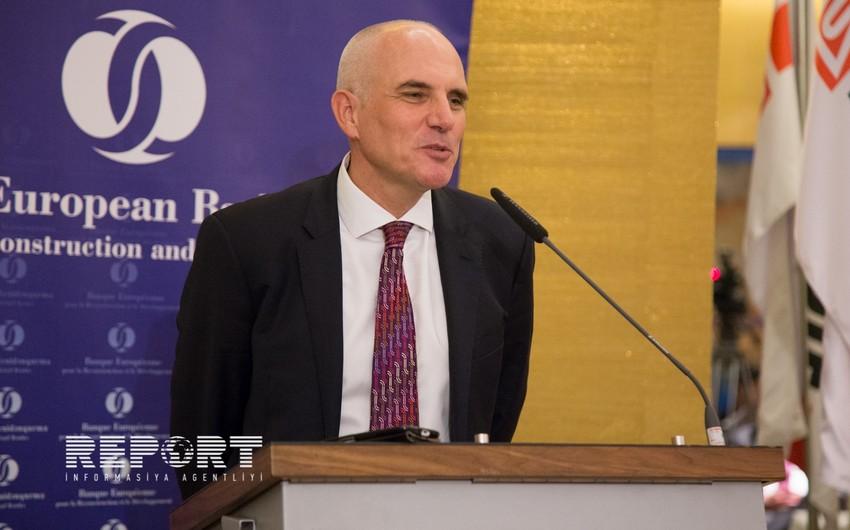 Asiya İnkişaf Bankı LUKoila 7 illik kredit ayırır
