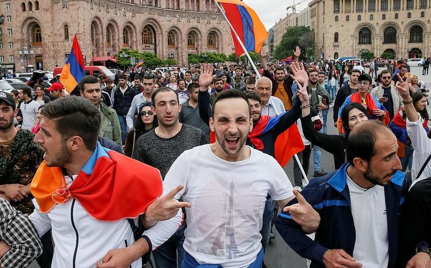 Ermənistanda Rusiyaya etimad göstərənlərin sayı azalıb