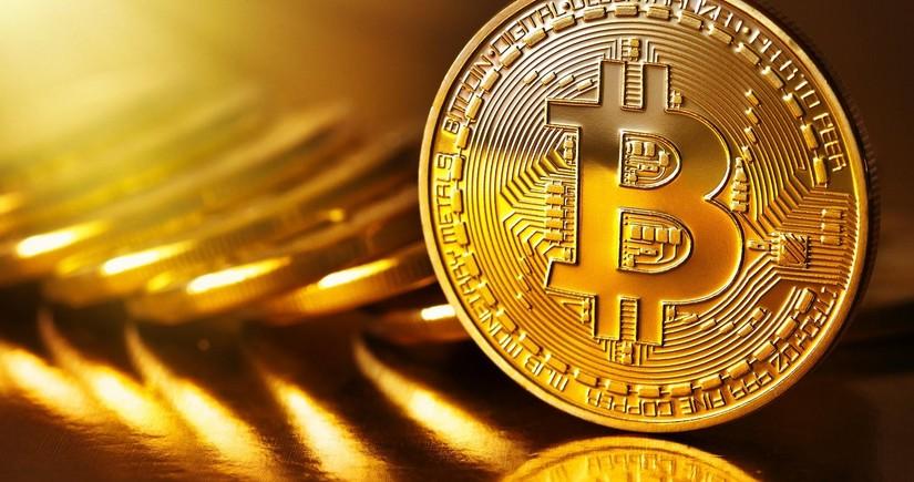 Bitkoin 10 faizdən çox bahalaşıb