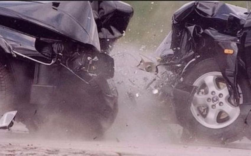 Abşeronda iki avtomobil toqquşub, bir nəfər ölüb
