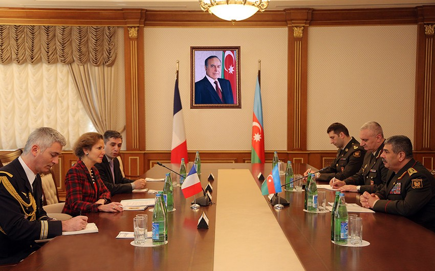 Azerbaijani-French military relations were discussed