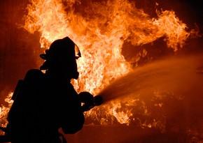 В Баку произошел пожар в общежитии