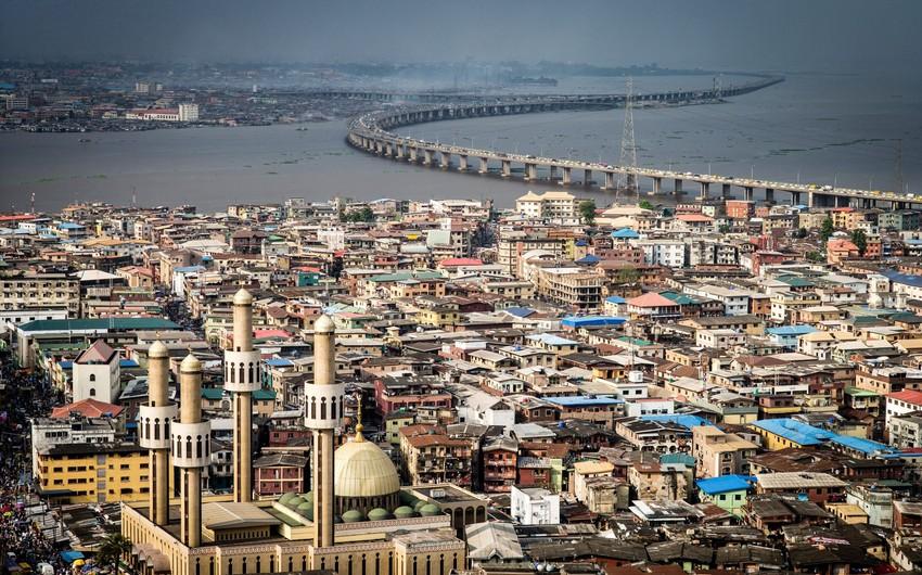Nigeriyada avtobus çaya düşüb, 15 nəfər ölüb