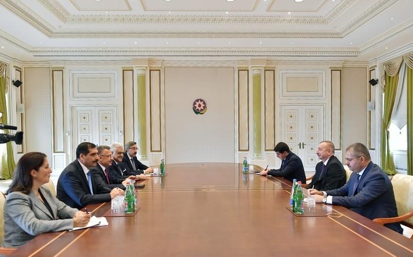 Президент Ильхам Алиев принял делегацию во главе с вице-президентом Турции