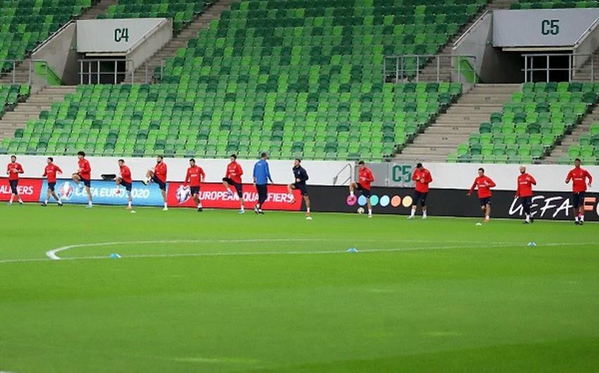 Сборная Азербайджана провела последнюю тренировку перед матчем с Венгрией - ФОТО