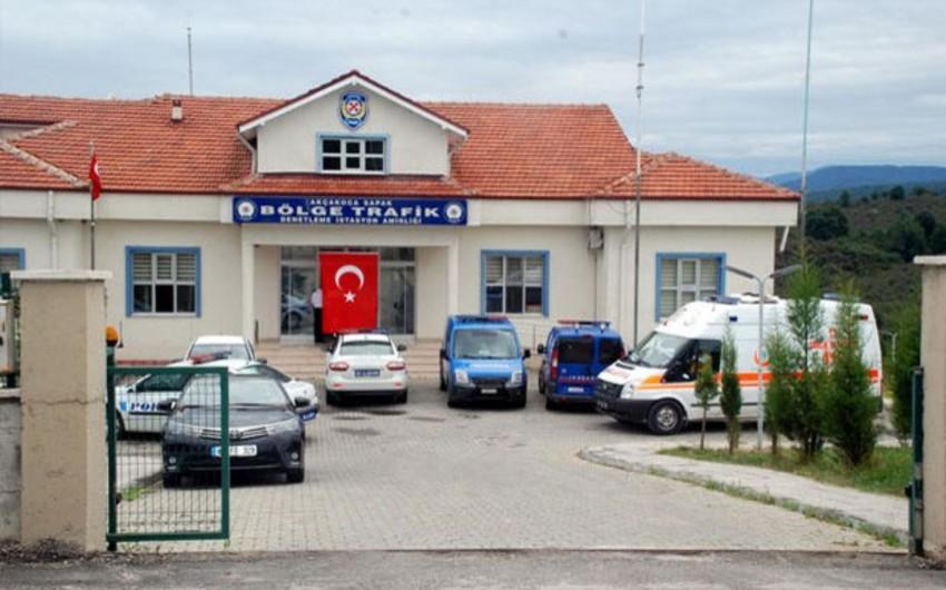 Türkiyədə işdən kənarlaşdırılacağını öyrənən polis əməkdaşı özünü öldürüb
