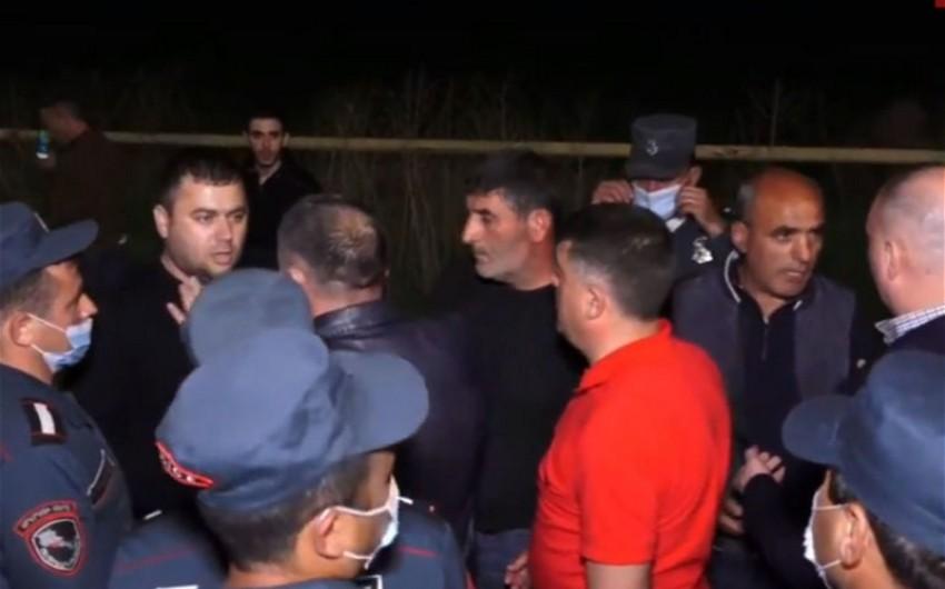 В Ереване продолжаются столкновения, множество задержанных - ОБНОВЛЕНО