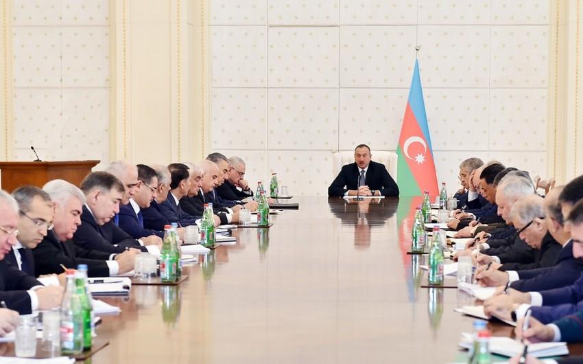 Azərbaycan Prezidenti: Maaş və pensiyalar yenə də artmalıdır