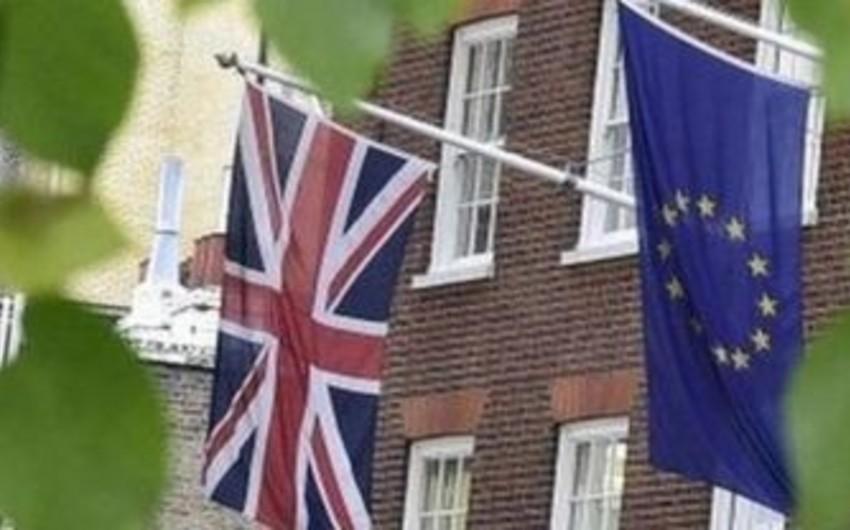 Şimali İrlandiyada Böyük Britaniyanın tərkibindən çıxmaqla bağlı referendum keçirilməsi təklif edilib