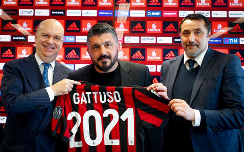 Milan klubu baş məşqçi ilə müqavilənin müddətini uzadıb