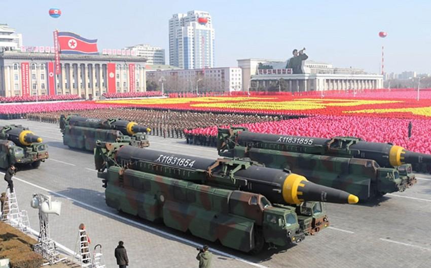 KXDR Pxenyanda hərbi parad keçirib
