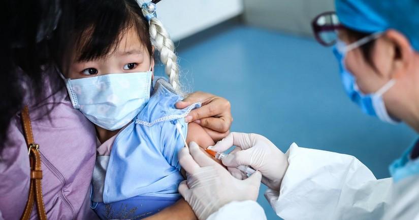 В Пекине начали вакцинировать от коронавируса детей с трех лет
