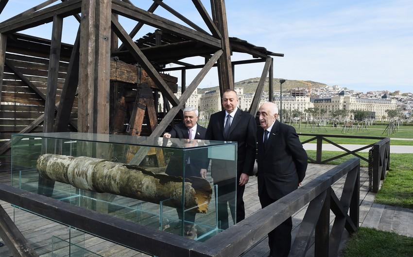 Президент Ильхам Алиев ознакомился с состоянием после реконструкции первой в мире скважины, пробуренной на территории месторождения Бибиэйбат