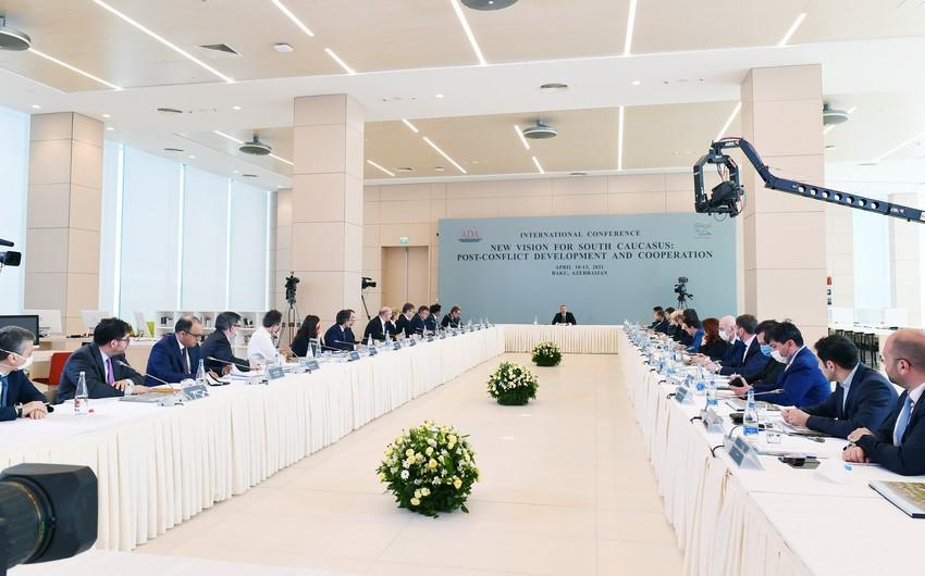 Prezident İlham Əliyev ADA Universitetində keçirilən beynəlxalq konfransda çıxış edib - YENİLƏNİB - VİDEO