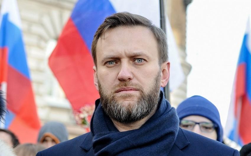 Aleksey Navalnı müalicə üçün Almaniyaya aparıldı