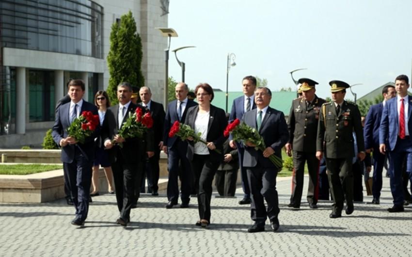 Gürcüstanın müdafiə naziri: Azərbaycanı NATO-nun ölkəmizdəki təlimlərində görməyə şad olarıq