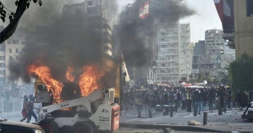 В Бейруте возобновились столкновения между полицией и демонстрантами