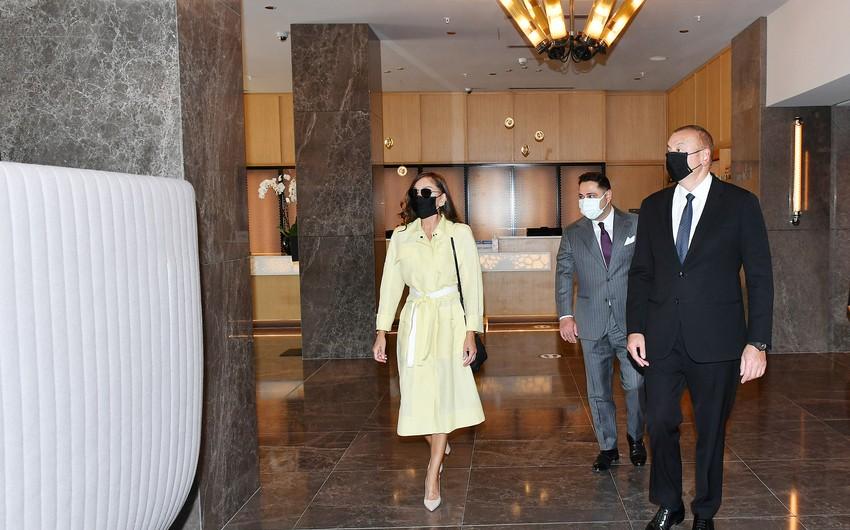 """İlham Əliyev və birinci xanım """"Courtyard by Marriott Baku"""" hotelinin açılışında iştirak ediblər"""